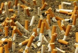 Mozziconi sigarette in spiaggia