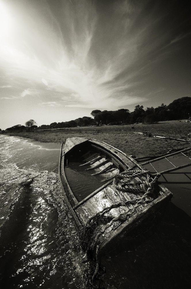 Imbarcazione spiaggiata, Bibione 2009